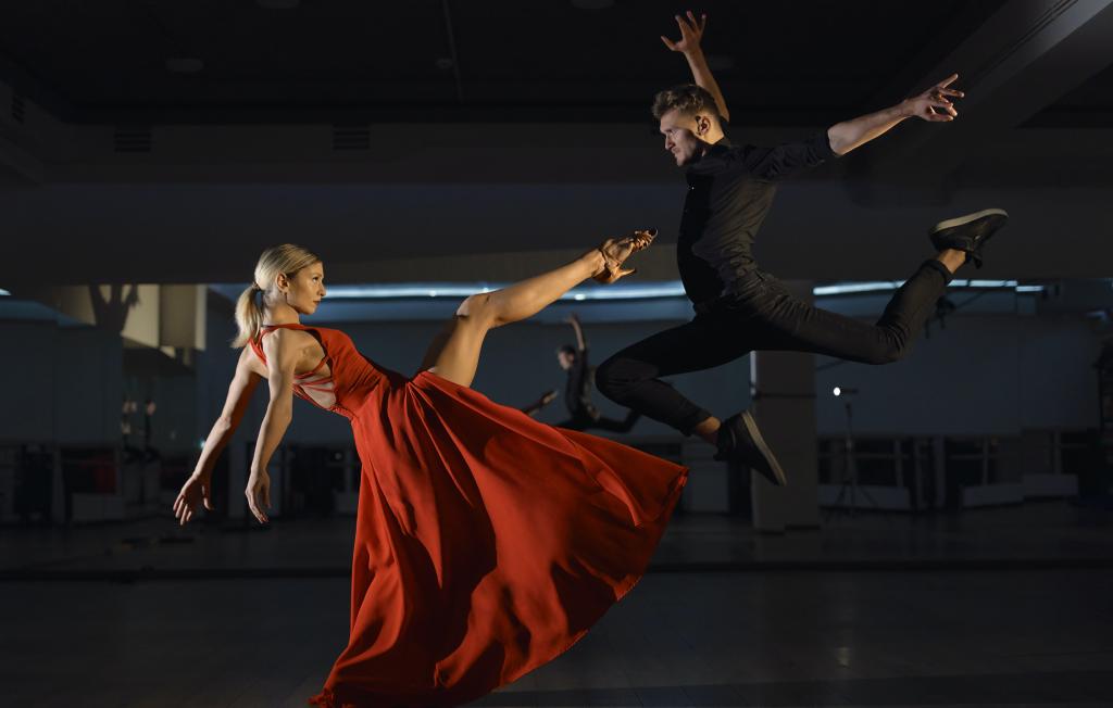 indoor dance photography