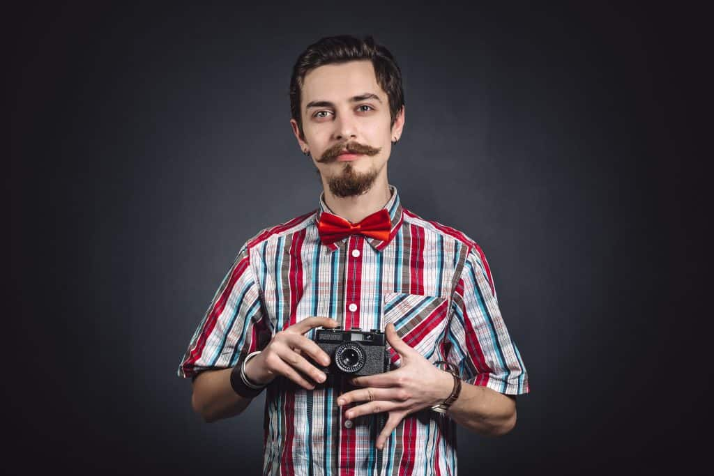 What should a photographer wear to a wedding